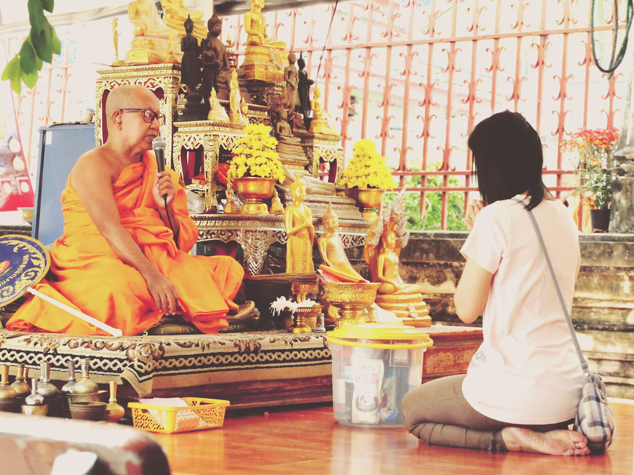 prayer-with-monk